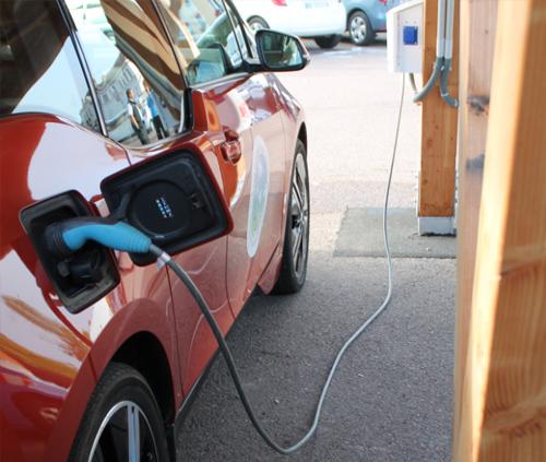 mobilite-electrique-ombrieres-bornes-de-recharge_developper-les-transports-propres-5